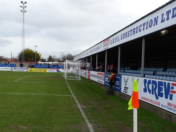 Rhyl fans behind the goal. Also the end of those 3 Holywell goals!!