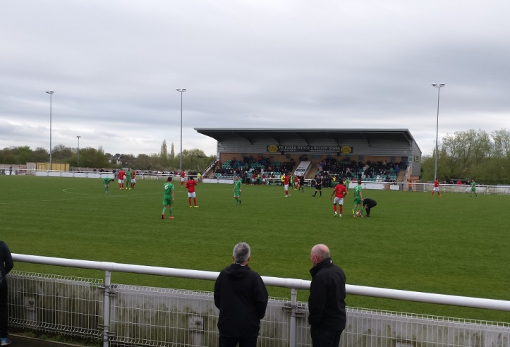 Honours even but the Robins are unaware of the Blyth result