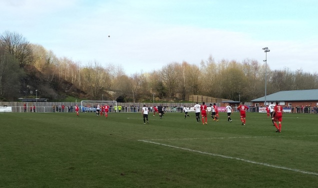 Rhyl trying their hardest to get an equaliser to take it to extra time!