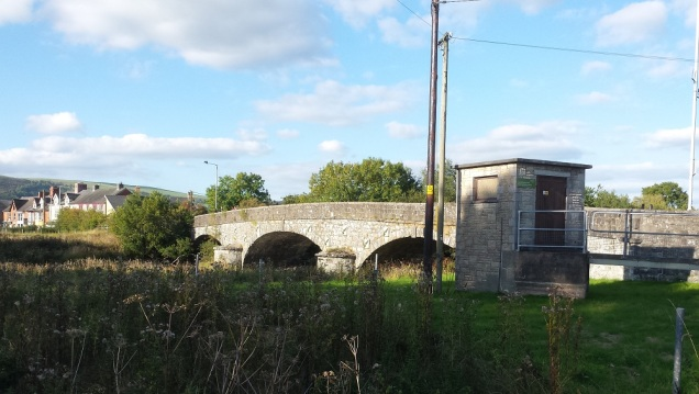 The bridge from the ground entrance