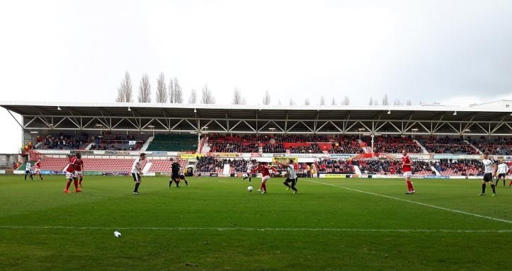Wrexham vs Dover Ath - 9th Apr 16 (38)